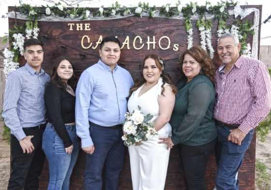 IAZ Photo Studio los mejores en foto y video para bodas en Arizona. IAZ Photo Studio es un estudio de fotografía y video especializado en eventos de bodas y quince años con los mejores precios y paquetes para su evento.